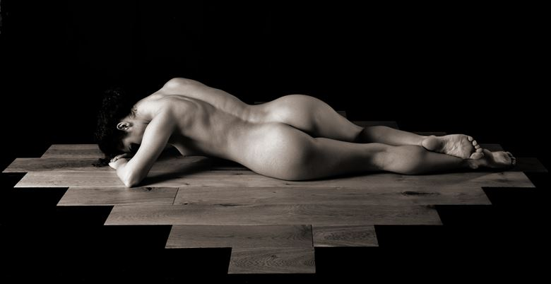 contours artistic nude photo by artist finegan