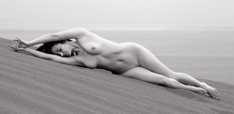 coral sands artistic nude photo by photographer eric lowenberg