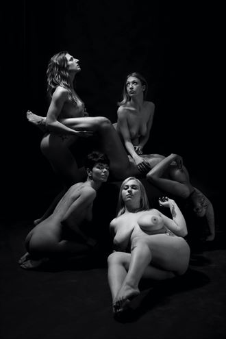 coven 2 artistic nude photo by photographer blakedietersphoto