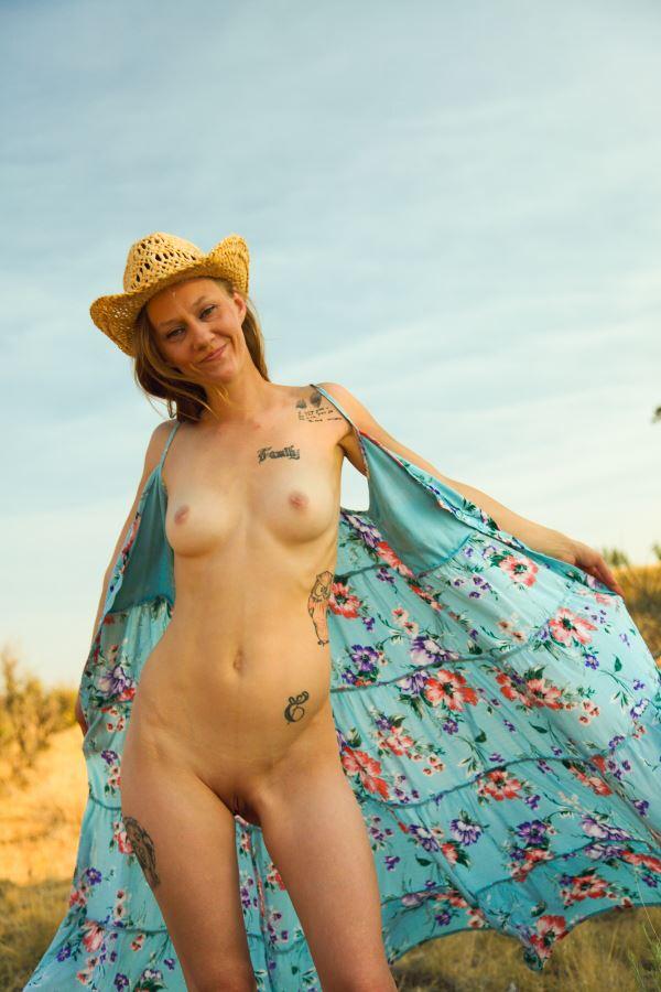cowgirls do it better artistic nude photo by model missshawnak