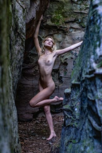 cracks in the rock with kylie artistic nude photo by photographer artsy_af_photography