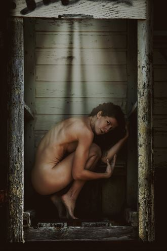 crouching beauty artistic nude photo by photographer jonathan c