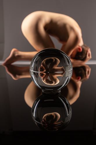 crystal ball artistic nude photo by photographer stephen wong