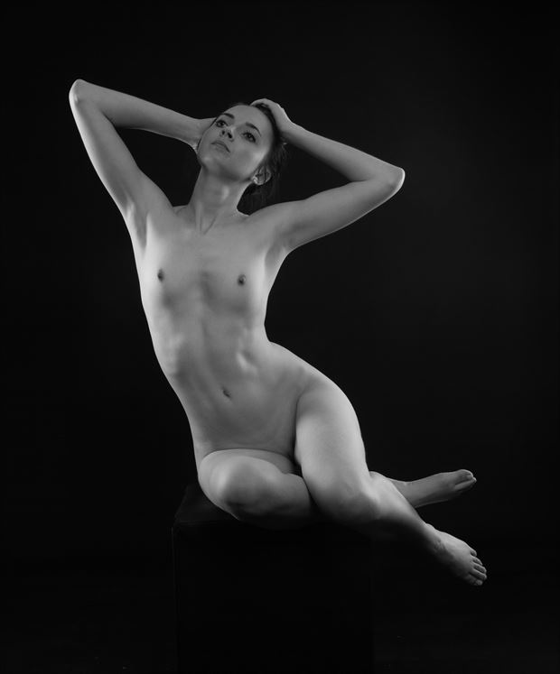 curve artistic nude photo by photographer allan taylor