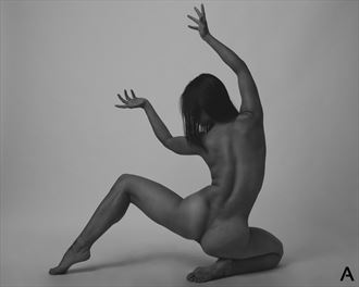 curve artistic nude photo by photographer apetura