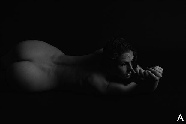 curve artistic nude photo by photographer apetura