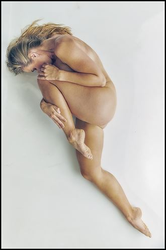 curve artistic nude photo by photographer magicc imagery