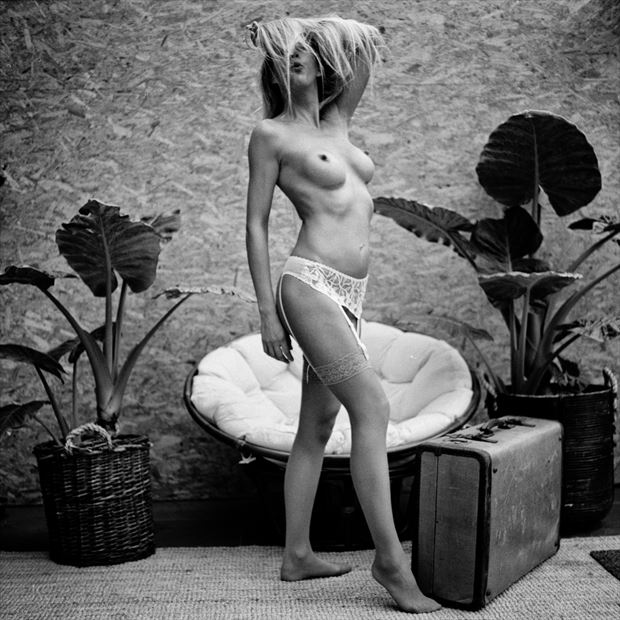 dafne at home 10 artistic nude photo by photographer jankarelkok
