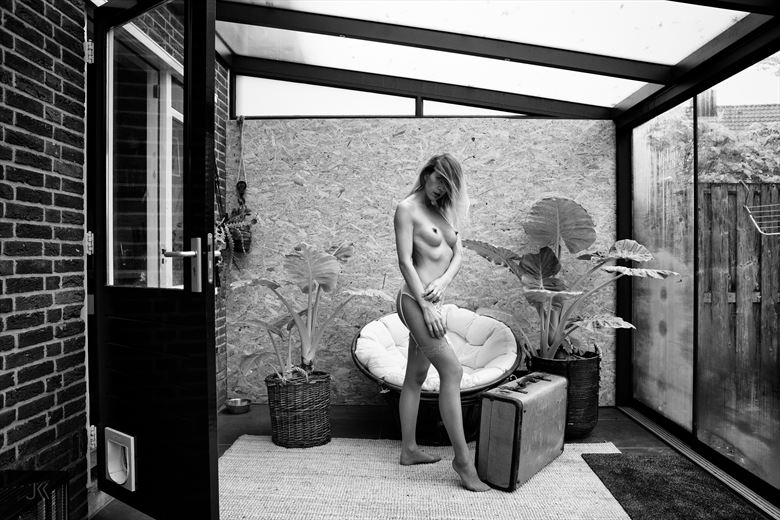 dafne at home 7 artistic nude photo by photographer jankarelkok