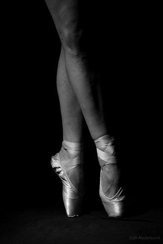 dance in the dark studio lighting photo by photographer jb modelwork