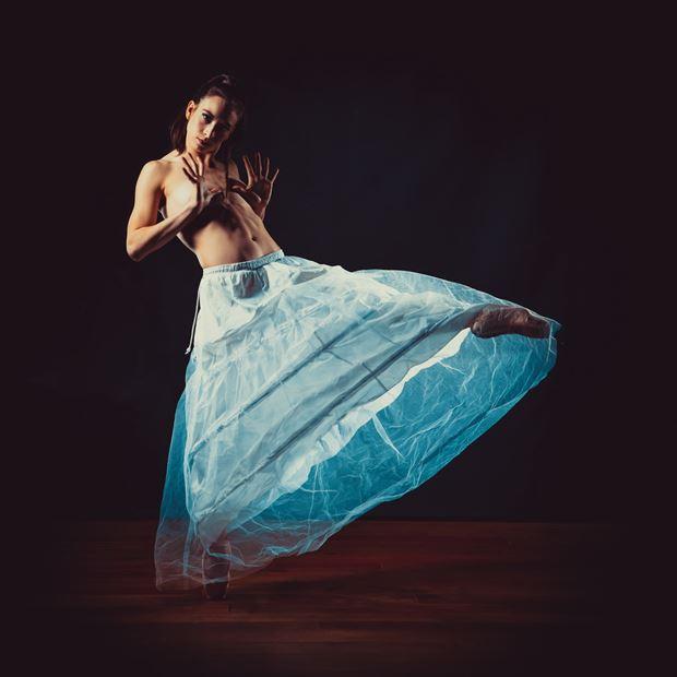 dancing artistic nude artwork by photographer jens schmidt