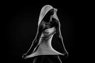 dancing in dishcloth studio lighting photo by photographer robhillphoto