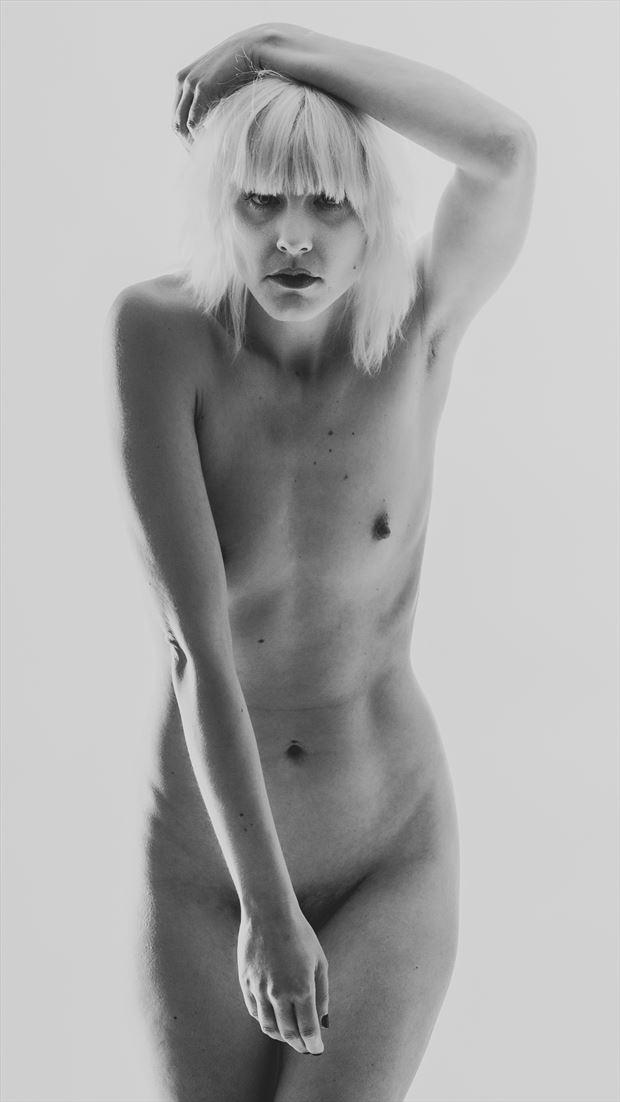 danielle v artistic nude artwork by photographer photo kubitza