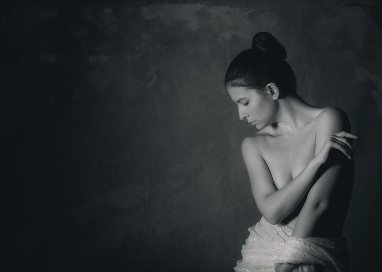 dark and light artistic nude photo by photographer gregory holden