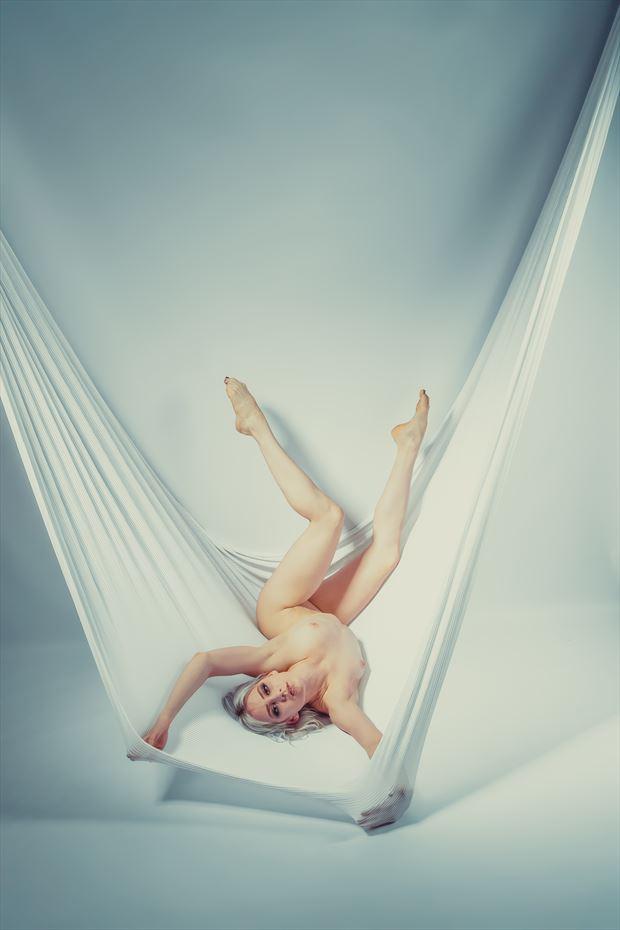 das tuch artistic nude artwork by photographer jens schmidt