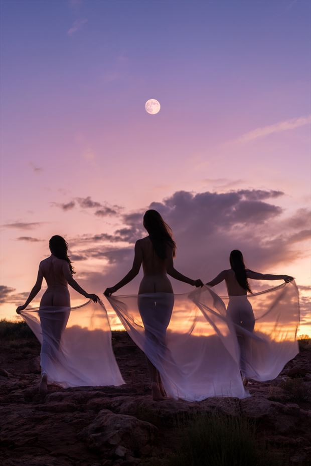 daughters of dusk artistic nude photo by photographer soulcraft