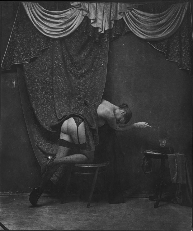 decadence Artistic Nude Artwork by Photographer Pavel Titovich