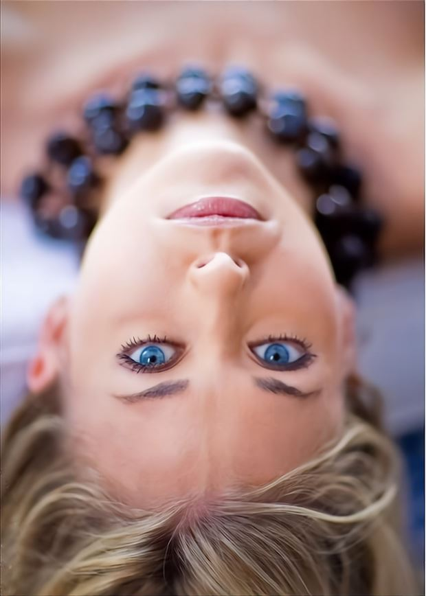 deep blue close up photo by model leggykelly