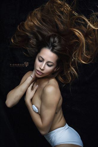 desy artistic nude photo by photographer piero beghi