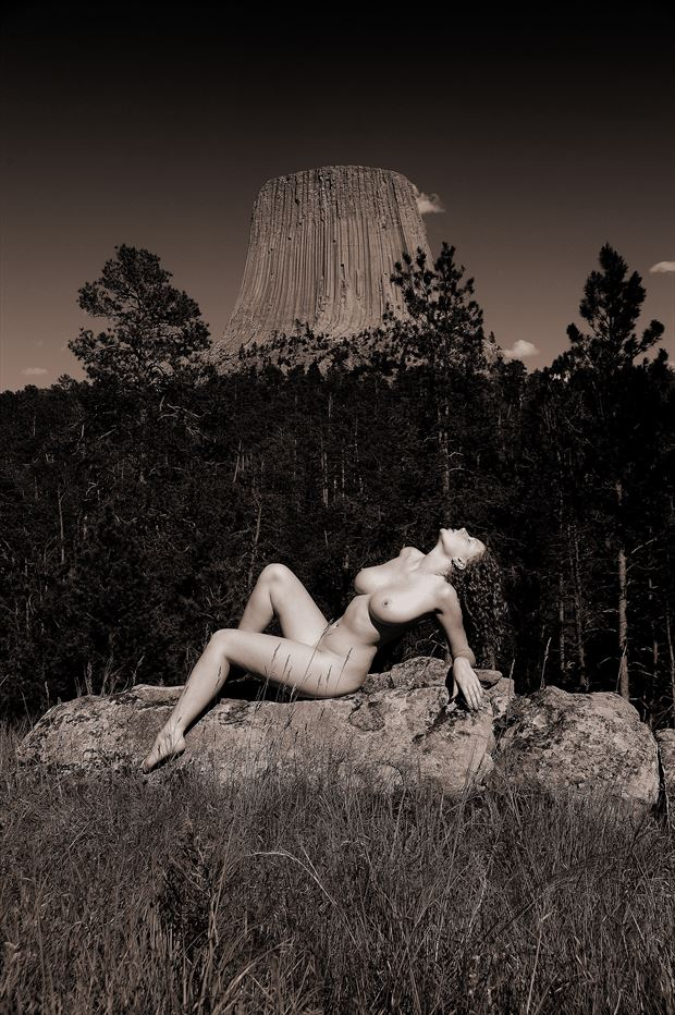 devil s tower national monument wy artistic nude photo by photographer ray valentine