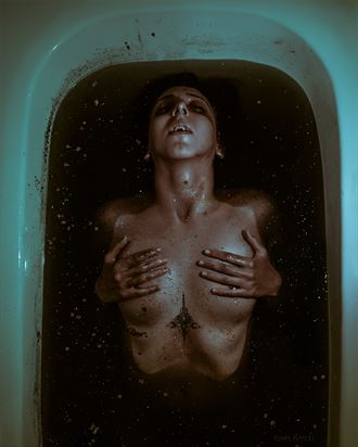 dirty artistic nude photo by photographer remon berkers photography