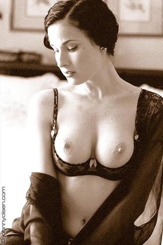 dita Artistic Nude Photo by Photographer johnny olsen