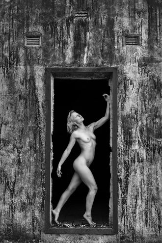 don t turn back artistic nude photo by photographer unmasked