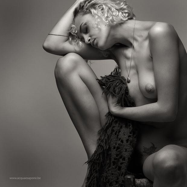 doubt artistic nude photo by photographer acqua e sapone