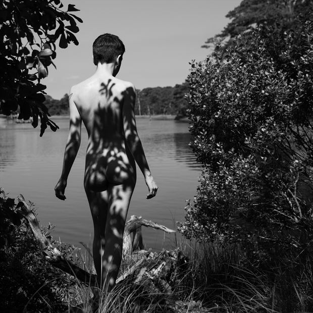down to the water artistic nude photo by photographer jim setzer