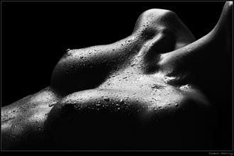 drops artistic nude photo by photographer thomas doering