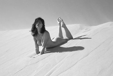 dune wind Artistic Nude Photo by Photographer Knomad