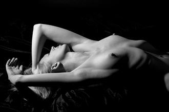 e artistic nude artwork by photographer photosnob