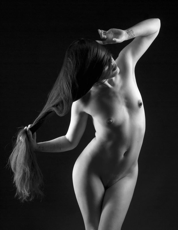 echo artistic nude photo by photographer linninger