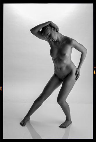elegance grace artistic nude photo by photographer gee virdi
