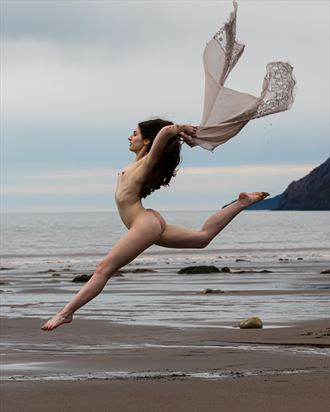 elegantly free artistic nude photo by photographer korry hill