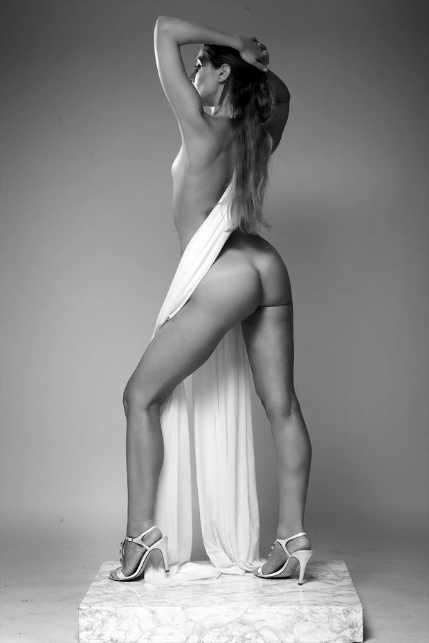 eleonora artistic nude photo by photographer 63claudio