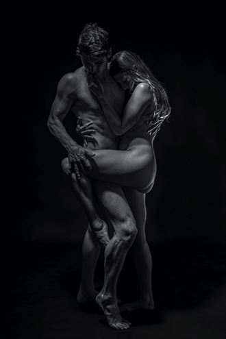 embrace sensual photo by photographer blakedietersphoto