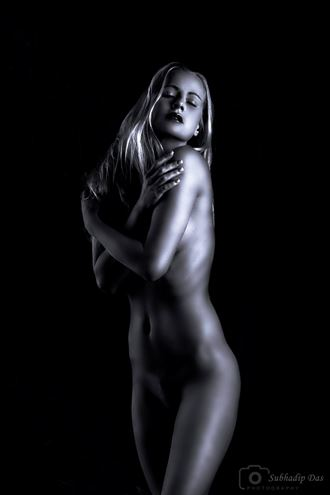 embrace yourself artistic nude photo by photographer subhadip das