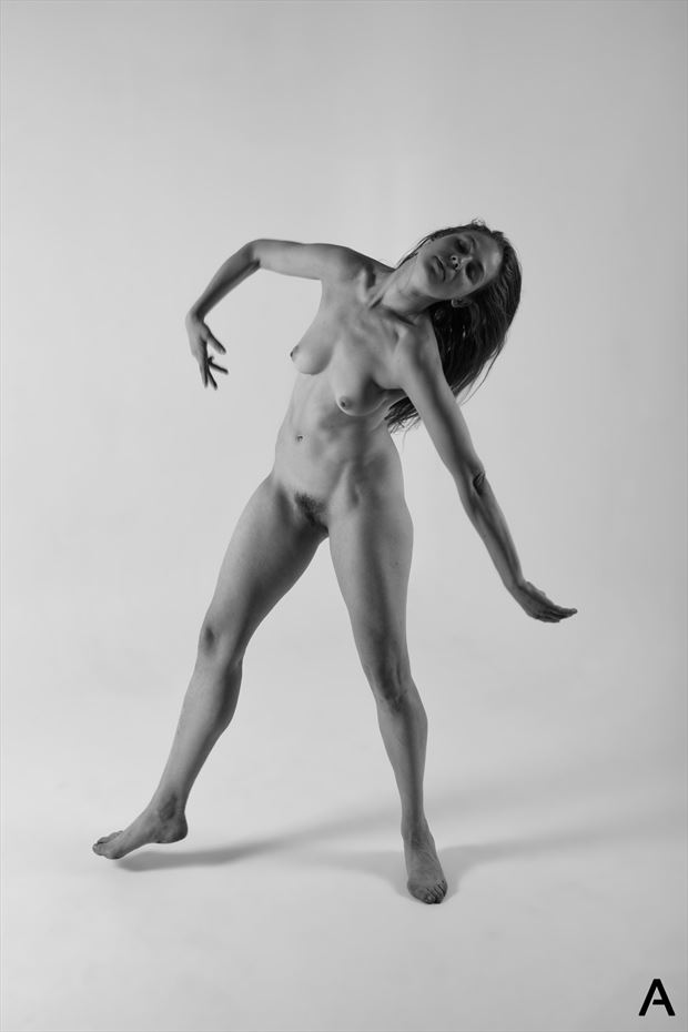 en mouvement artistic nude photo by photographer apetura