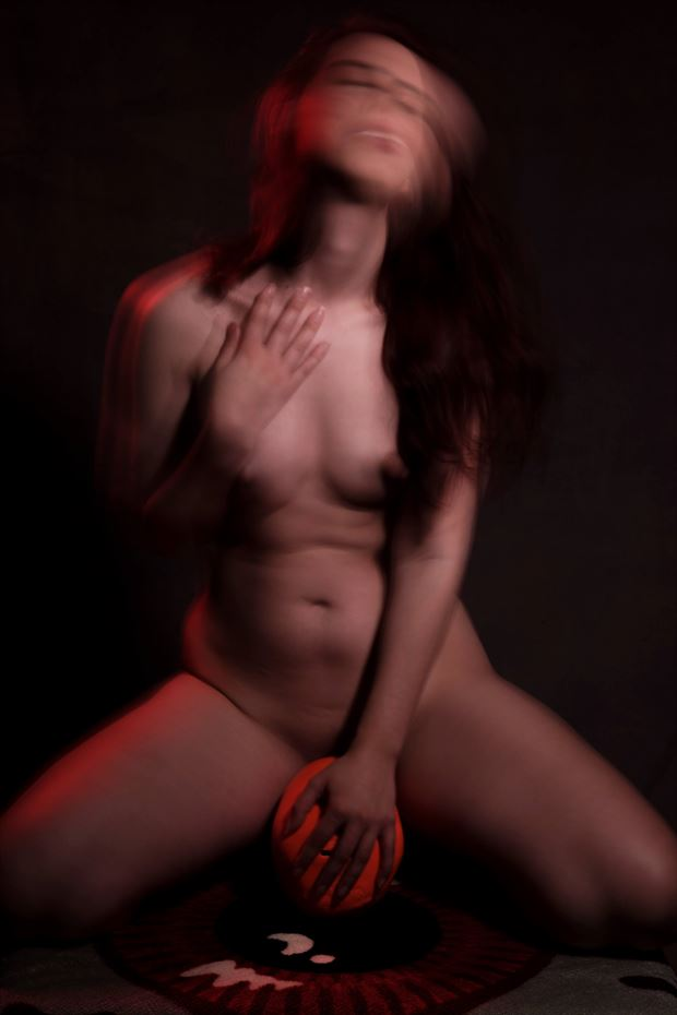 erotic sensual photo by model aferlysunflower