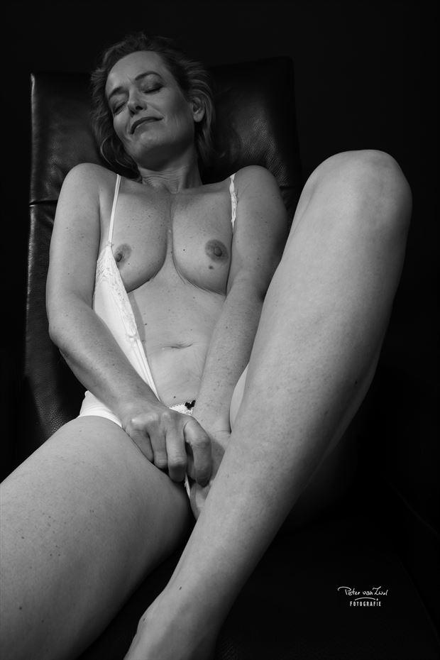 erotic sensual photo by photographer peter van zwol