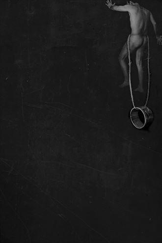 escalando autorretrato artistic nude photo by photographer gustavo combariza