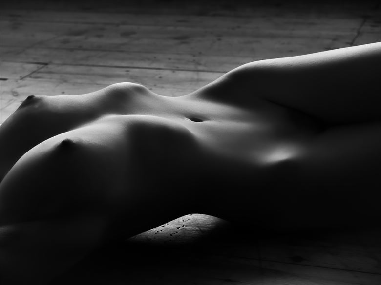 escape artistic nude photo by photographer paul mason