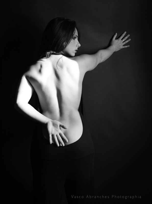estudo de luz com modelo 2012 erotic photo by photographer vasco abranches