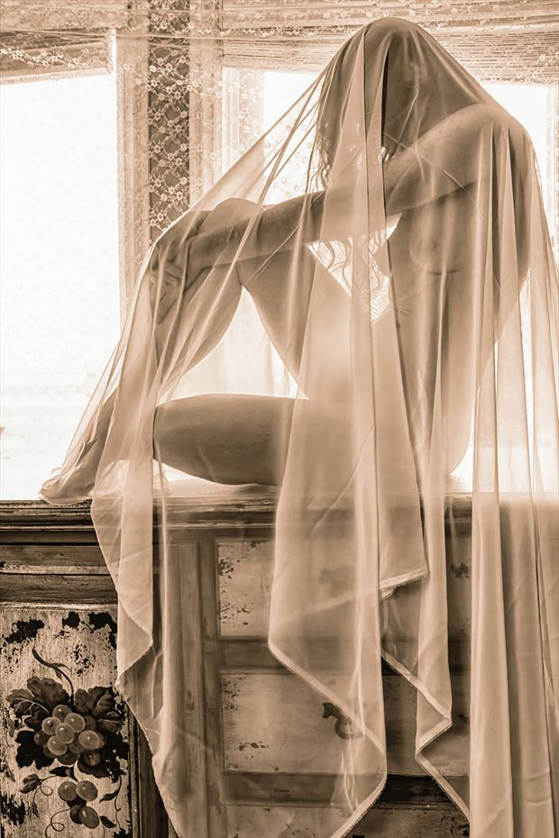 ethereal beauty artistic nude photo by photographer philip turner