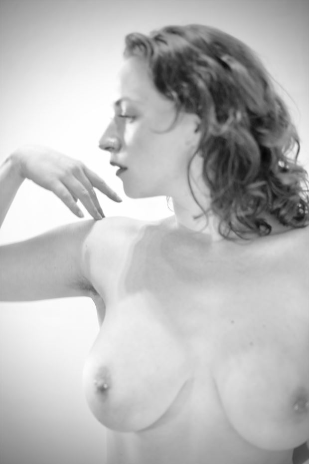 exploration artistic nude photo by model figures of life