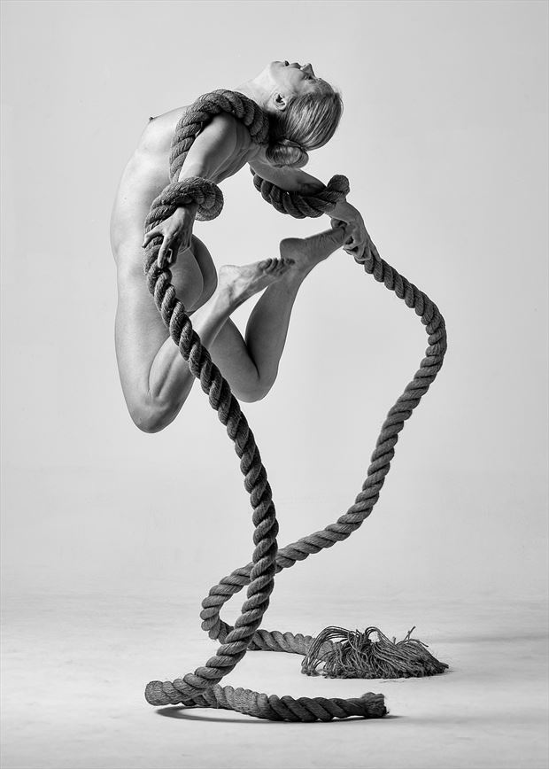 fanny artistic nude photo by photographer ray fritz