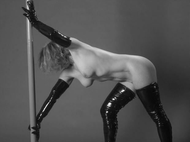 fantaisie %C3%A0 la barre 1 artistic nude photo by photographer dick