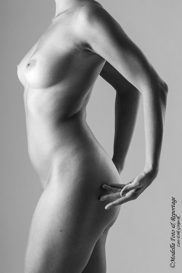 female creation artistic nude photo by photographer modella foto