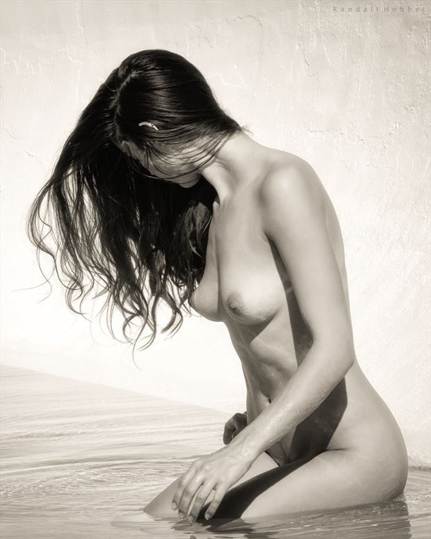 femina at the water edge artistic nude photo by photographer randall hobbet
